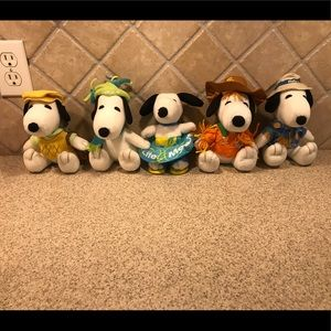 PEANUTS Set of five seasonal plush Snoopy